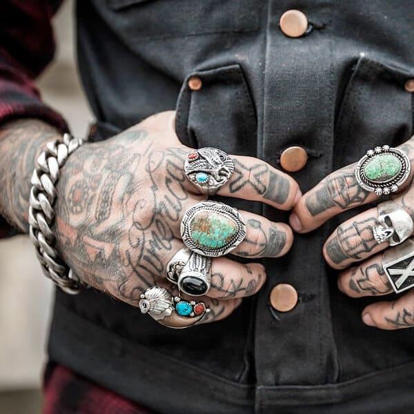 Tattooed Hands 600x600 Body Art Soul Tattoos Tattoo Piercing Apprenticeships